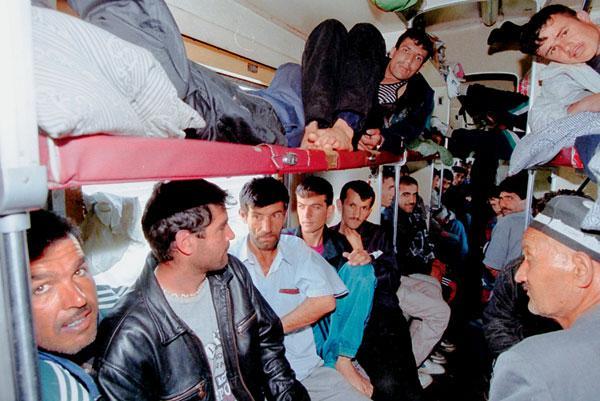 Россия подаст узбекским работягам чартерные поезда