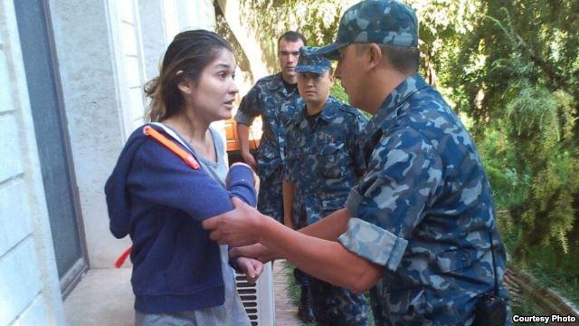 Швейцарскому адвокату Каримовой закрыли въезд в Узбекистан