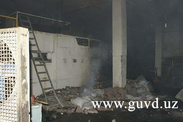 Десять расчетов тушили пожар в Ташкенте