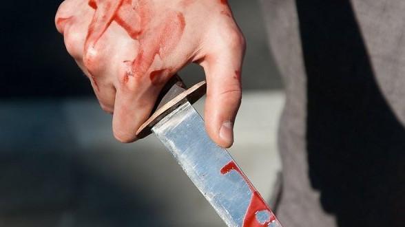 Под Ташкентом порезали и ограбили таксиста
