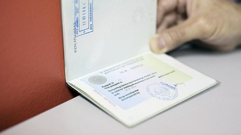 Узбекистан последним в мире отменил «выездные визы»