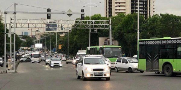 Узбекские депутаты выступили против включенных фар