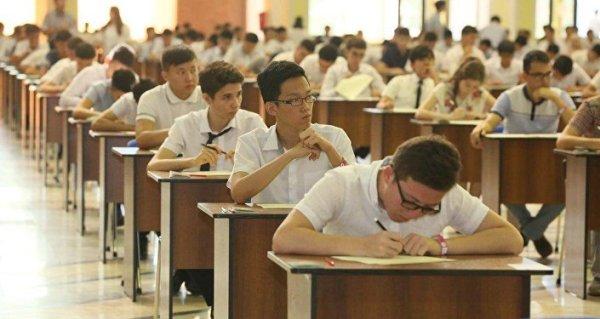 Тысячи узбекских абитуриентов не явились на экзамен