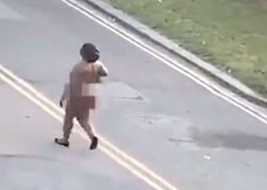 Жительница столицы прогулялась голой из-за аномальной жары