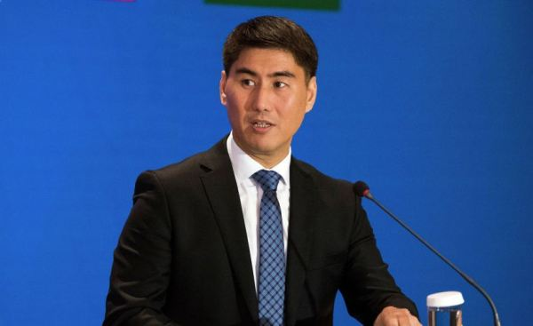 Оскорбление узбекским бойцом киргизов обсудили на уровне глав МИД двух стран