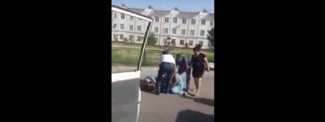 В Кашкадарье три леди устроили мордобой на дороге