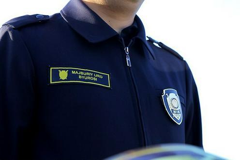 Самаркандка избила палкой сотрудника прокуратуры