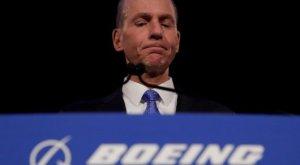 Главу Boeing ушел в отставку из-за скандала