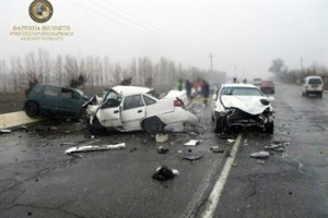 Nexia протаранила Tico и Gentra в Фергане: трое погибших, шестеро пострадали