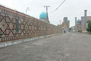 «Каримовскую» стену за площадью Регистан сносят в Самарканде
