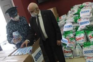 ОБСЕ передает заключенным узбекистанцам гуманитарные средства защиты и гигиены