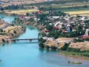 Зону Чарвакского водохранилища зачистят от незаконных построенных дач и кафе