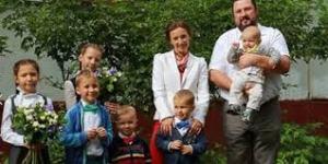 Детский Омбудсман при Путине родила седьмого ребенка