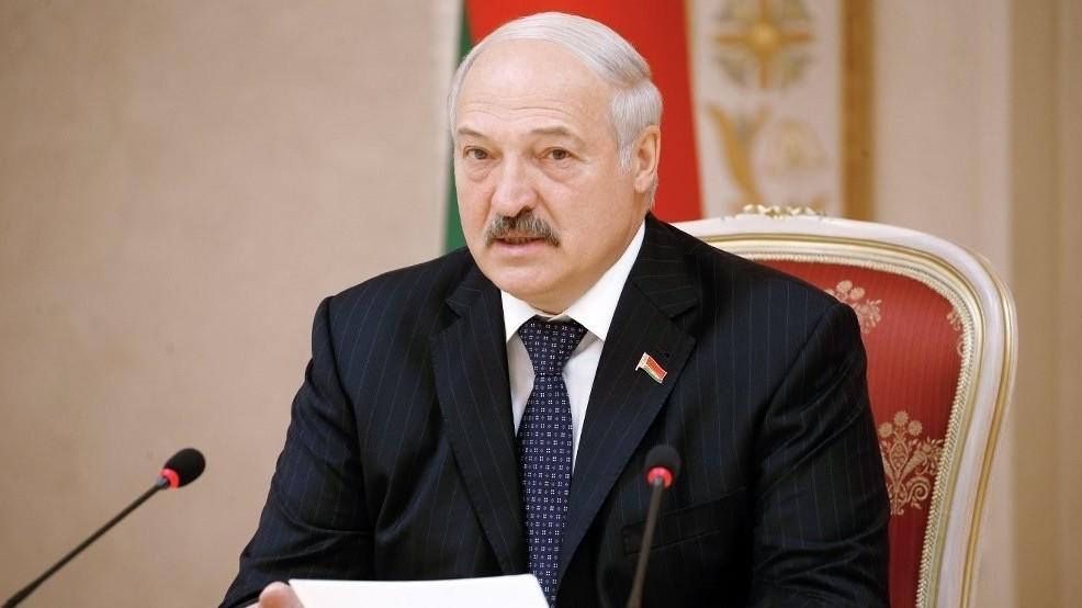 Лукашенко: сильные мира сего не оставят Узбекистан в покое