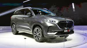 Озвучены цены на китайские автомобили Oshan из Навои