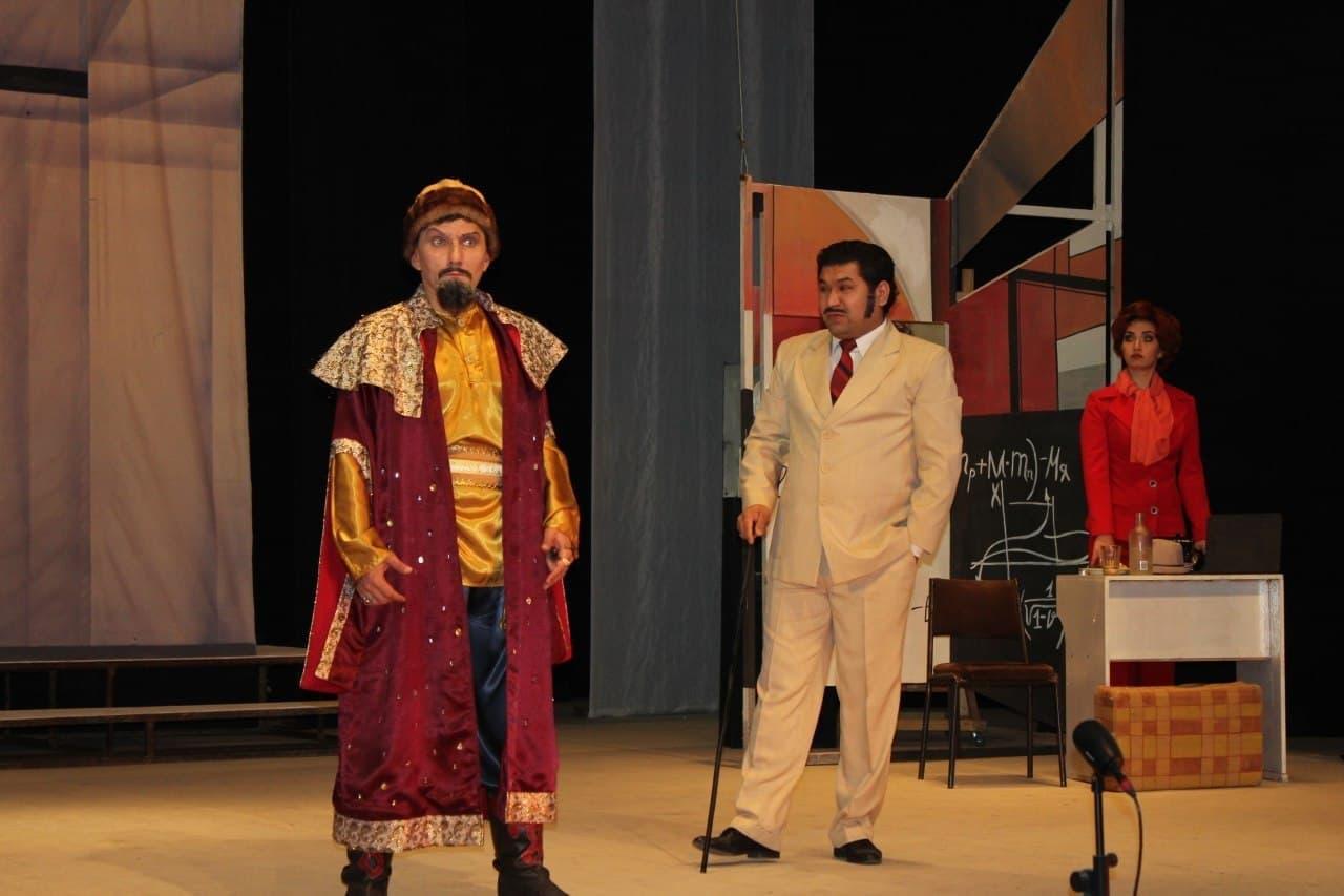 В ташкентской оперетте «танцуют все!»