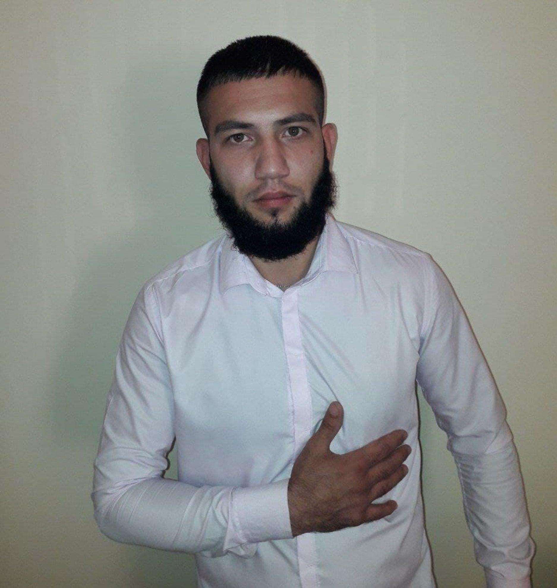 Узбекскому тиктокеру сбрили бороду и дали 15 суток