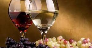 Светила медицины сравнили красное и белое вина