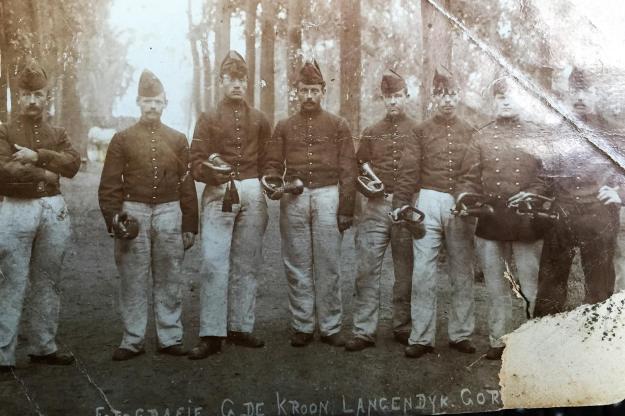 Gorinchem Soldaten op Basion X (Foto de Kroon) 1903 (1)