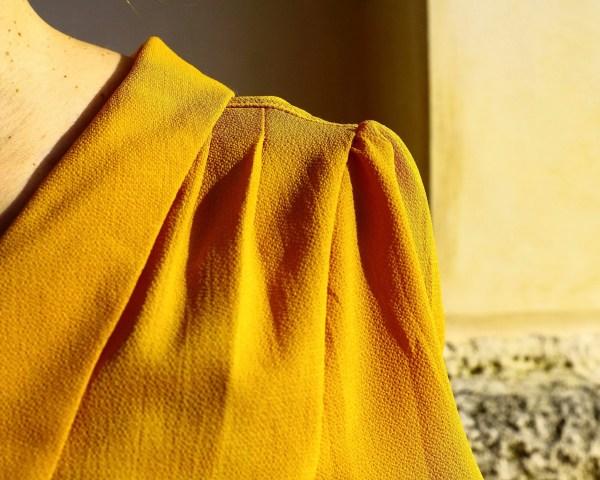 Camicia blusa color ocra anni 40