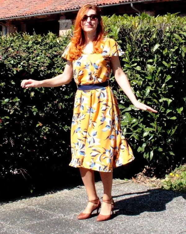 Vestito giallo a fiori anni 40