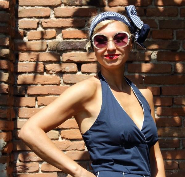 Vestito blu modello Marilyn anni 50