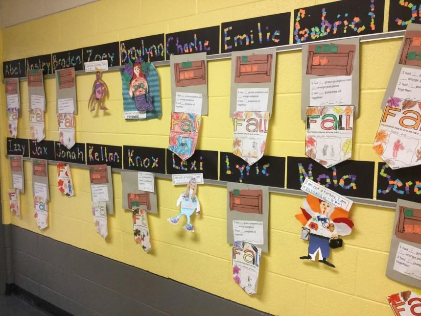 <em>Выставка работ учеников</em>