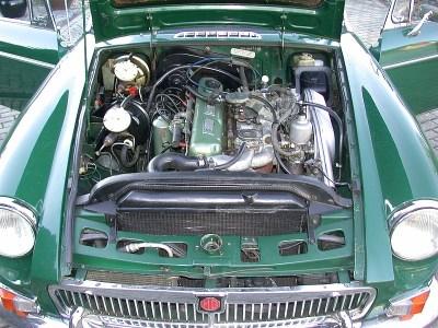 MG B GT V8 Motorraum