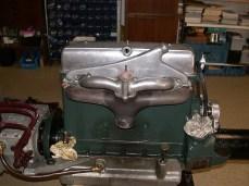 Motor Ansicht Vergaser und Abgas