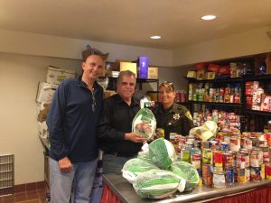Special thanks to Las Vegas Metropolitan Policewoman Laurie Bisch for delivering turkeys to Veterans Village. Wonderful---
