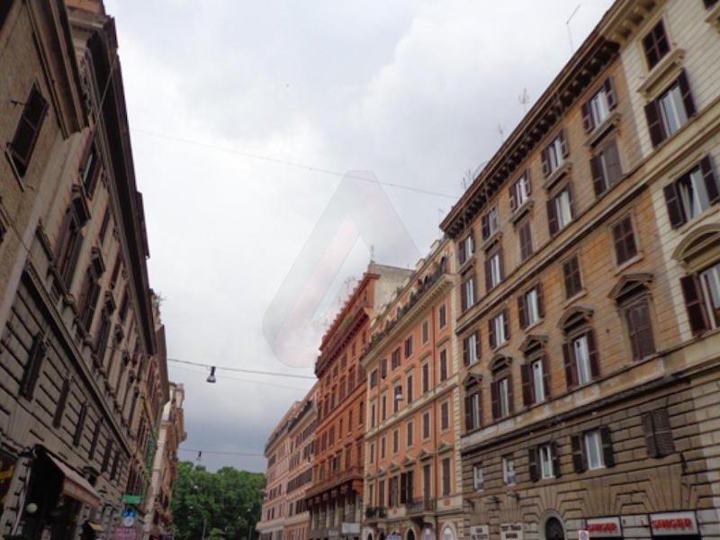 Rione i monti locale commerciale c1 roma vendita for Affitto locale c1