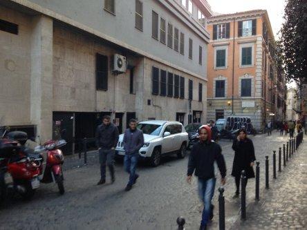 AFFITTO NEGOZIO RIONE MONTI ROMA