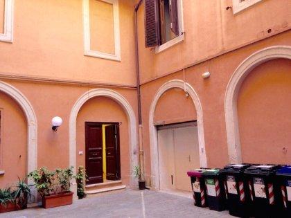 Vendita Locale Commerciale Roma Centro Rione MontiVendita Locale Commerciale Roma Centro Rione Monti