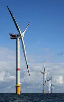 REpower 5 МВт ветряных турбин D4 (ближайшей) до D1 на Thornton банка