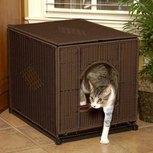 Wicker Litter Box Cover with Cat