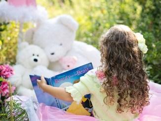 детенце книжка четене Снимка: pixabay.com