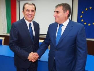 Пламен Орешарски и Данаил Папазов Снимка от фейсбук страницата на Орешарски
