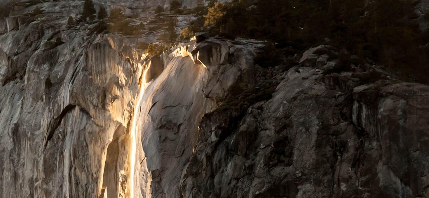 Capturing the Yosemite Firefall (Horse Tail Fall) at Yosemite National Park