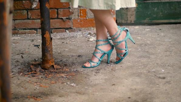 Modelling heels at rusty metal