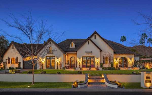Вальмовые крыши частных домов фото – Вальмовая крыша: 65 ...