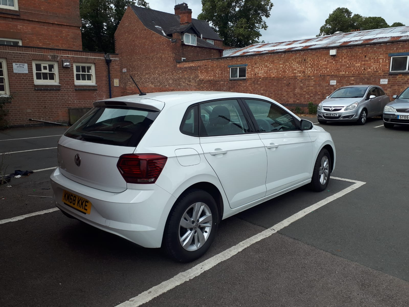 White 2018 Wolkswagen Polo For Sale - rear