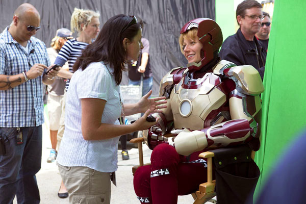 Victoria Alonso and Gwyneth Paltrow on the set of Iron Man 3 (2012).
