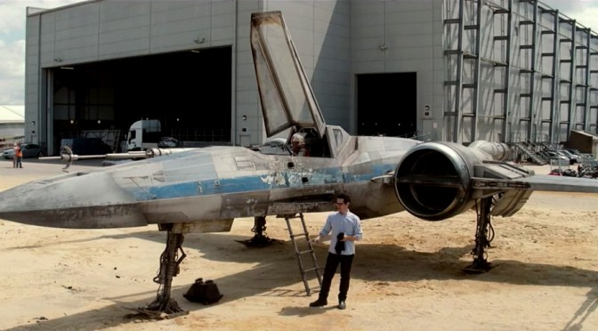 J.J. Abrams revela el diseño de la X-Wing de Episodio VII en video de 'Fuerza para el cambio'