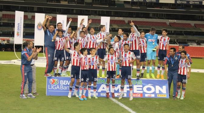 Chivas conquistó la Liga Bancomer MX Sub-13 tras vencer al Atlas
