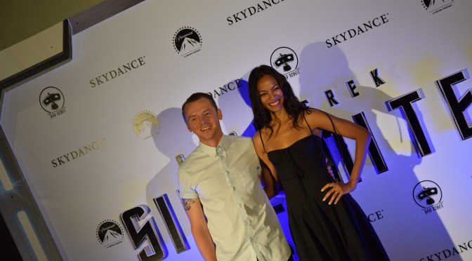 "<span class=""entry-title-primary"">Simon Pegg y Zoe Saldaña visitaron México por Star Trek Sin Límites</span> <span class=""entry-subtitle"">Scotty y Uhura desfilaron por la alfombra roja</span>"