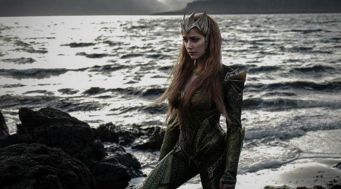 """<span class=""""entry-title-primary"""">Así luce Amber Heard como Mera en Justice League</span> <span class=""""entry-subtitle"""">Conozcan a la Reina de Atlantis</span>"""