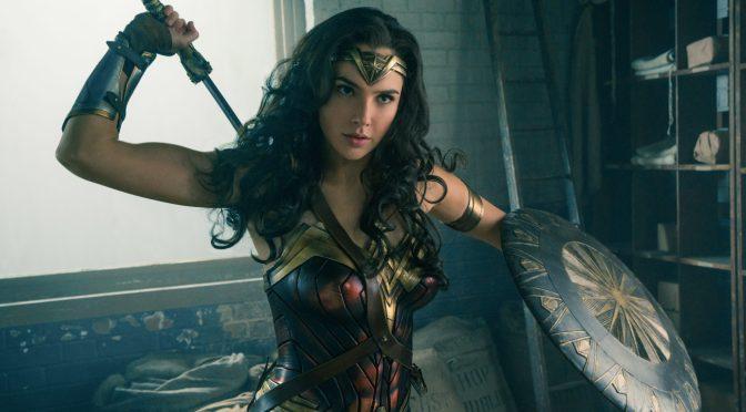 """<span class=""""entry-title-primary"""">Una guerrera se alza en el tráiler final de Wonder Woman</span> <span class=""""entry-subtitle"""">¿Será esta película el punto de inflexión en el universo cinemático de DC?</span>"""