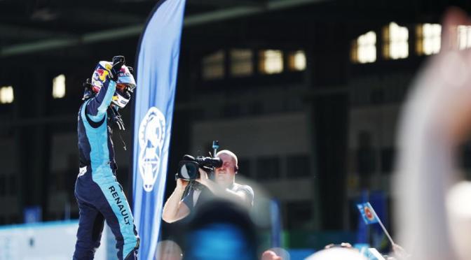 Buemi retoma la senda de la victoria en la segunda carrera en Berlín dentro de la Fórmula E
