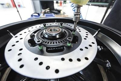 VGV-assemblaggio-ruote-3