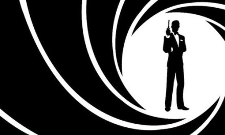 """James Bond: Casino Royale"" (Ian Fleming, ECC Ediciones)"